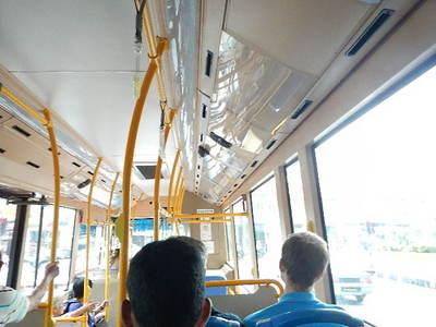bus12053003.JPG