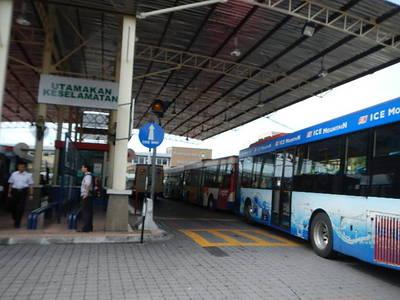 bus12053007.JPG