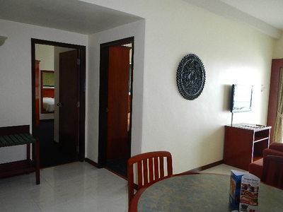 hotel12052804.JPG